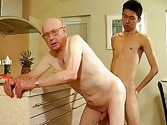 naked-grandpa-and-grandson
